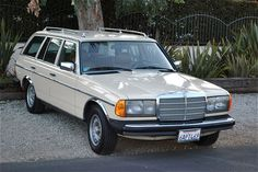 Mercedes Benz W123 TD  1985. I would so drive this car! And run it on bio-diesel!