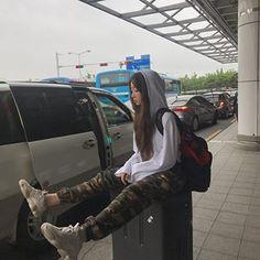 Style korean girly seoul ideas for 2019 Korean Girl Cute, Korean Girl Ulzzang, Mode Ulzzang, Pretty Korean Girls, Asian Girl, Ulzzang Girl Selca, Ulzzang Style, Korean Aesthetic, Aesthetic Girl