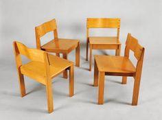 AutorANTÓNIO SENA DA SILVA - 1926-2002 (mais)DesignaçãoConjunto de mesa de trabalho e quatro cadeirasMaterialmesa em câmbala e folha de câmbala, cadeiras em faiaEstado de conservaçãofalta da folha num pé da mesaMarcasprotótipos do Autor para a Fábrica OlaioDimensõesDim. - 63 x 150 x 75 (mesa) cm