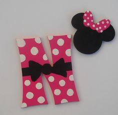 Ukrasna slova:tema Minnie Mouse Materijal:mdf 6mm Veličina slova 12cm Ručno bojeno akrilnim bojama  www.ukrasnaslova.rs Drink Sleeves, Mini Mouse