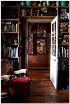 7 Ways Sluggish Economy Changed My Outlook On Eclectic Home Decor – Home & Woman,  #Changed #Decor #Eclectic #Economy #Home #Outlook #Sluggish #Ways #Woman Eclectic Design, Eclectic Decor, Home Libraries, Interior Decorating, Interior Design, Rental Decorating, Decorating Ideas, The Design Files, My Dream Home