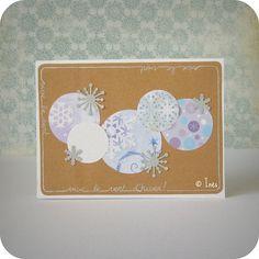 Snowflakes Christmas / holiday scrapbooking card. // Carte scrap fêtes / Noël flocons. // See more at / Voir plus sur : http://scrap-ines.over-blog.com