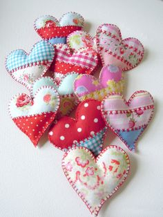 fabric hearts with crazy quilt type embroidery Stitches and scrap fabrics. Valentine Heart, Valentine Crafts, Valentines, Diy Craft Projects, Sewing Projects, Patchwork Heart, Oh My Heart, Fabric Hearts, Heart Crafts