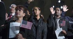 Activistas defensores de inmigrantes hispanos en Estados Unidos expresaron el domingo su preocupación porque las autoridades de inmigración parecen haber comenzado una serie de redadas que ha sembrado la alarma entre los inmigrantes. Inmigrantes latinos comenzaron a llamar el sábado pidiendo ayuda luego que el diario Mundo Hispánico reportara que las autoridades habían detenido a…