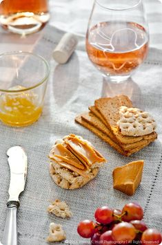 Brunost Cheese – A Norwegian Delicacy Norway Food, Cooking Contest, Norwegian Food, Whats For Lunch, Pescatarian Recipes, How To Make Cheese, Perfect Food, Food Styling, Favorite Recipes