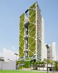 Record breaking vertical garden to help deliver $500,000 in energy and water savings a year. | The vertical garden at the Tree House condominium, within the Upper Bukit Timah and Chestnut Avenue private residential estate in Singapore.