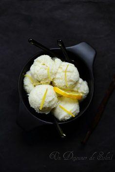 Sorbet citron, yaourt, fromage blanc et vanille (pour 6 à 8 personnes)      350 g (35 cl) d'eau (de source ou minérale)     350 g (35 cl)...