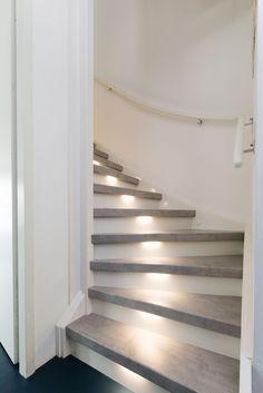 gezien bij vtwonen De trend van 2017 beton look.   Decor: Cloudy Cement