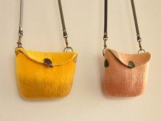 ポーチ by Ryoko Hirota [ pouch by Felt Fulling Lab]