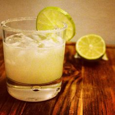 #tacoTuesday means margaritas-but not just any kind the perfect margarita! @westleygarcia shares his recipe #ontheblog now!  by: @asmalladventure --- #foodmatters #whatweeatmatters #whatwedrinkmatters #maryleekitchen #f52grams #foodgawker #losangeles #lafoodie #foodblogger #buzzfeedfood #feedfeed #liveauthentic #darlingfood #thekitchn #realsimple #marthafood #vsco #vscocam #gritandvurtue #igdrinks #instadrinks