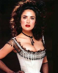 Salma Hayek looks awesome in her western style image from Wild Wild West 1999 movie. Saloon Girl Costumes, Wild West Costumes, Salma Hayek Body, Salma Hayek Pictures, Saloon Girls, Hispanic Women, Girls Makeup, Woman Crush, Virgo