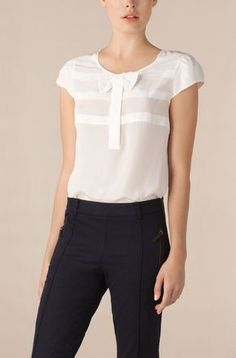 9 best white blouse designs images in 2017 Mode Outfits, Casual Outfits, Fashion Outfits, Womens Fashion, White Blouse Designs, Diy Vetement, Cute Blouses, Work Attire, Mode Inspiration
