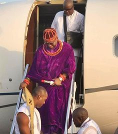 Oba of Benin Oba Ewuare II Makes Historic Visit to Abuja as He Arrives in Style via Private Jet (Photos) http://ift.tt/2BiqrZI