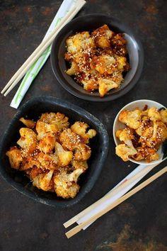 Korealainen uunikukkakaali on lempeän mausteinen lisäke. Pesco Vegetarian, Vegetarian Recipes, Cooking Recipes, Oriental Food, Cauliflower Recipes, Side Dishes, Grilling, Food And Drink, Salad