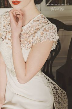 KMR Bespoke Bridal Designer. Image by Folega Photography. www.folegaphotography.co.uk   Image of the beautiful Ellen at Cusworth Hall featuring  @makeupbyjenni , @paeonyfloral , @kmrbridal , @alijennerhair .  #folegaphotographyfineartphotography #weddingphotography #bespokebridalwear #kmrbridal