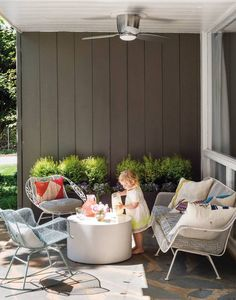 See inside the inspiring home of designer Charlotte Lucas, who is featured in the summer 2016 issue of domino magazine. Charlotte Lucas shares her Charlotte home with domino readers. Outdoor Retreat, Outdoor Rooms, Outdoor Living, Outdoor Furniture Sets, Outdoor Decor, Outdoor Seating, Patio Exterior Ideas, Exterior Design, Patio Ideas