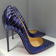 34 Pretty Shoes Ideas To Rock Your Winter Style - Shoes Market Experts Pretty Shoes, Beautiful Shoes, Heeled Boots, Shoe Boots, Hot Shoes, Pumps Heels, Sexy Heels, Stilettos, Christian Louboutin