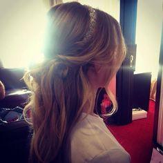 Simple weeding hairstyle