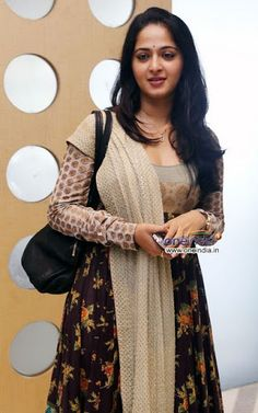 30 Best Anushka Shetty Wallpapers and Photos