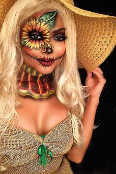 Looking for for ideas for your Halloween make-up? Browse around this website for cute Halloween makeup looks. Scary Clown Halloween Costume, Scarecrow Halloween Makeup, Unique Halloween Makeup, Unique Halloween Costumes, Halloween Tags, Halloween Looks, Disney Halloween, Halloween Outfits, Couple Halloween