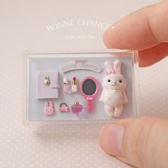 Miniature Girls item Set Dollhouse ♡ ♡ By Bonnechance Doll Crafts, Cute Crafts, Diy And Crafts, Dollhouse Accessories, Barbie Accessories, Miniature Crafts, Miniature Dolls, Clay Miniatures, Dollhouse Miniatures