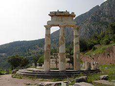 Delfi, Yunanistan #greece#UNESCO#worldheritage#Dünyamirasılistesi#tarih##görülmesigerekenyerler#history#Türkiye#Turkey#heritagelist#gezi#millipark#ulusalpark#nationalparks#travel
