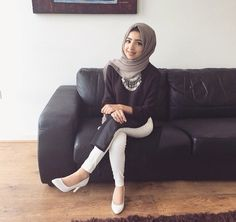 Hijab white jeans outfit