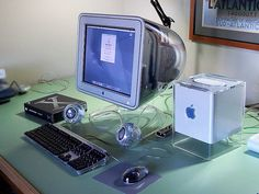 "Apple Mac G4 Cube, 17"" Monitor, Mac OS X"