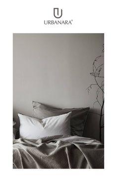 Seidig weich mit feinem Glanz: Leichte Satin-Bettwäsche aus 100% Baumwolle sorgt für erholsamen Schlaf. Entdecken Sie handverlesene Heimtextilien und Wohnaccessoires in höchster Qualität im Online Shop von URBANARA.
