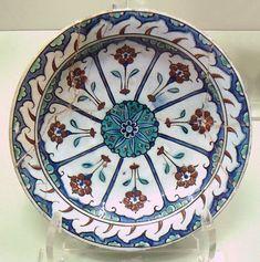 Iznik polychrome ware, late 16th-early 17th century