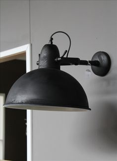 Zwart industriele wandlamp