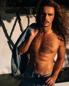 long curly hair for men / curly hair inspiration / free the curls / cachos / cabelo cacheado homens