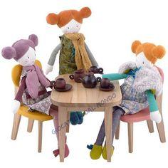 """bambole di stoffa """"Les Parisiennes"""" Moulin Roty. Solo su Giocattoli dal Mondo http://www.giocattolidalmondo.it/catalogo_63/bambole-di-stoffa/1/marca_18/"""