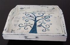A wooden tray inspired by Gustav Klimt's trees / Bandeja inspirada nas árvores do pintor Gustav Klimt