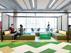 Lounge de office em tons verde