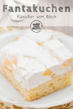 Fanta cake with sour cream Baking makes you happy - Kuchen Rezepte - Easy Cake Recipes, My Recipes, Dessert Recipes, Dessert Oreo, Sour Cream Cake, Chocolate Cookie Recipes, Blueberry Recipes, Food Cakes, Healthy Desserts