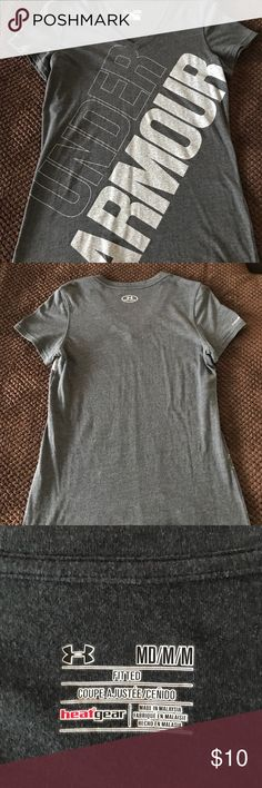 Woman's Heat Gear Under Armour T-Shirt Woman's Dark Grey Heat Gear Short Sleeve Under Armour T-Shirt, Size Medium, Previously Worn In Good Condition Under Armour Tops Tees - Short Sleeve