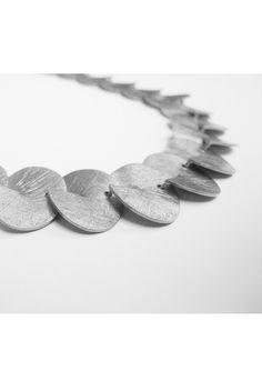 Taglio collection. Designed by Sara Domènech. #joidart #saradomenech #joidartcolours #contemporaryjewellery #contemporaryjewelry #joyeriacontemporanea #joieriacontemporania #silvercolliar #collardeplata #barcelona #crafts #jewelry #joidartonlineshop
