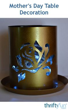 Upcycle old X-ray film into DIY table decorations for Mother's Day, a party or for a wedding anniversary. Recycled Crafts, Diy Crafts, Golden Wedding Anniversary, Led Fairy Lights, Gold Spray Paint, Plastic Trays, Mothers Day Crafts, Green And Gold, Craft Projects