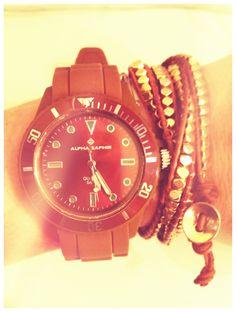 Nette Kombination! Armband aus der aktuellen Hugo's Jewellery Collection: Hugo's Cognac/Gold www.hugosbyk.com Hugo, Michael Kors Watch, Gold Watch, Rolex Watches, Accessories, Fashion, Scarves, Wristlets, Moda