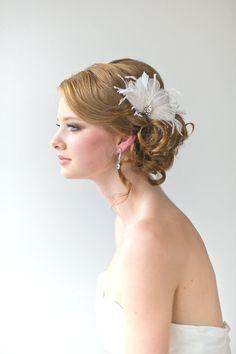 Bridal Fascinator Wedding Hair Accessory por PowderBlueBijoux