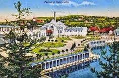 Imagini pentru Ocna Sibiului Paris Skyline, Taj Mahal, Mansions, Country, House Styles, Building, Travel, Park, Viajes
