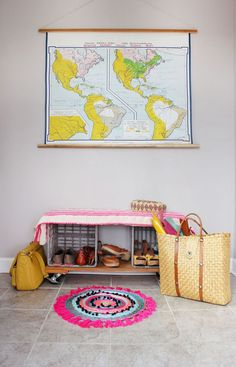 Brighten up your entry with a woven circle rug. Get the full tutorial at www.ABeautifulMess
