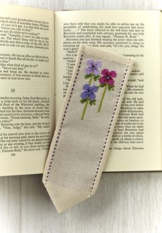 Get your free Lesley Teare project from the new Cross Stitch Collection blog! You can download a free floral chart and get a fab step-by-step guide to making up your stitching into a fab bookmark using hemstitch.