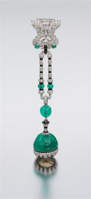 An Art Deco Emerald & Diamond set in Platinum bling jewelry fashion