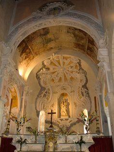 la cathédrale Santa Maria Assunta (début XIIe s.), ancienne cathédrale du Nébio.St-Florent (Haute-Corse)