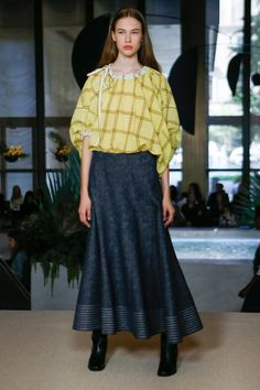 See the complete Derek Lam Spring 2018 Ready-to-Wear  collection.