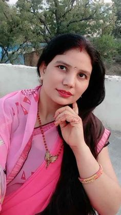 Video by Vigo Beautiful Girl In India, Beautiful Women Over 40, Beautiful Blonde Girl, Women Friendship, Girl Number For Friendship, Online Friendship, Indian Natural Beauty, Indian Beauty Saree, Massage Girl
