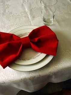 Make bows out of napkins