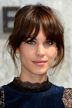 Pony Hairstyles: Over 100 Trend Looks to Re-Style - Photo 88 – Curtain up for these star hairstyles with bangs - Oblong Face Hairstyles, Pony Hairstyles, Pretty Hairstyles, Straight Hairstyles, Long Hairstyles With Bangs, Full Fringe Hairstyles, Latest Hairstyles, Short Hair With Bangs, Short Hair Styles